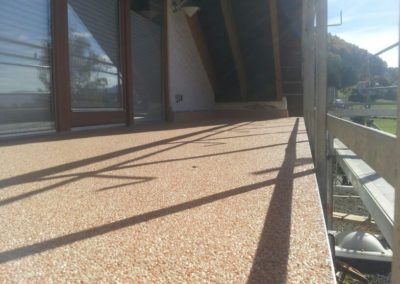 Balkonbelag-Steinteppich-Dachloggia