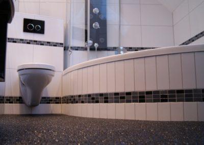 Designbad-mit-steinteppich