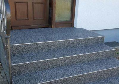 Treppensanierung-Hauseingang-Steinteppich