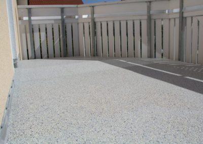 balkonsanierung-mit-pur-beschichtung-und-chipeinstreuung-fuer-rutschhemmung