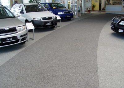 bodenbeschichtung-als-designboden-fuer-autoausstellung-bzw-autohaus